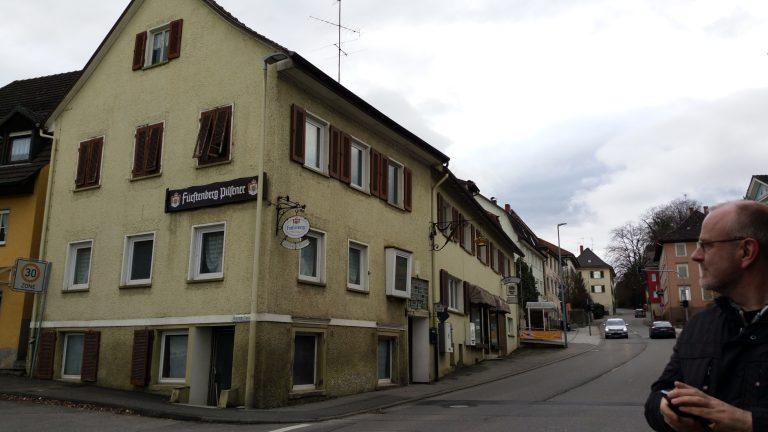 Krone Randegg - Gebäude ehemals lindgrün im Februar 2016